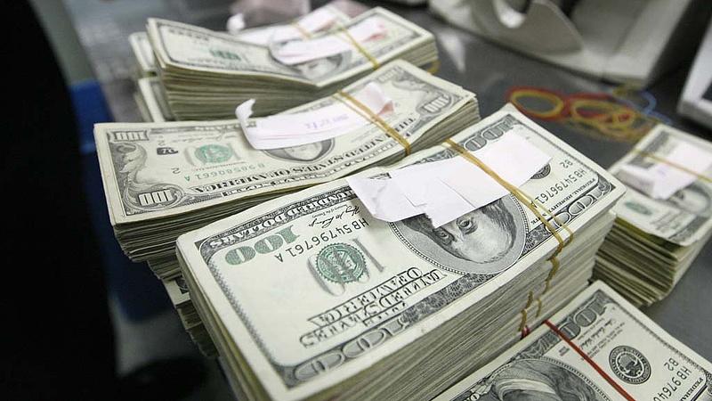 Apránként elloptak félmillió dollárt az egyik jegybankból