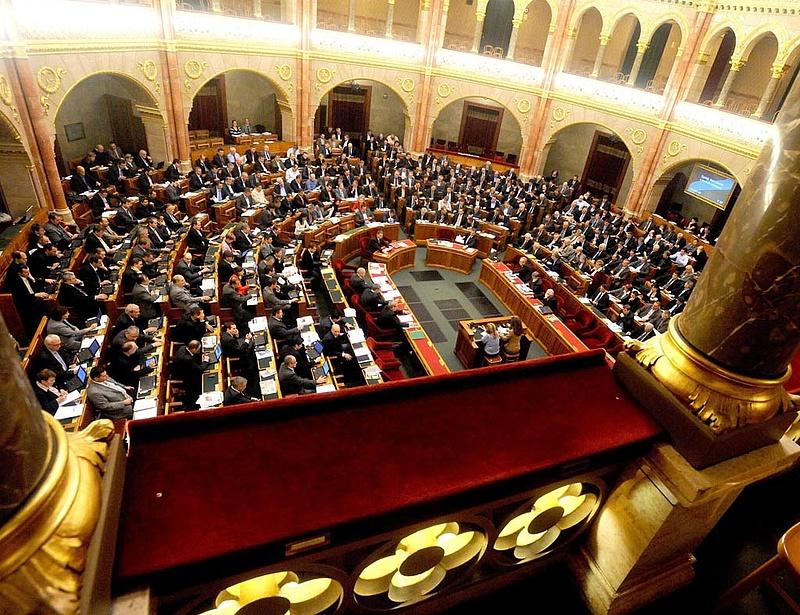 Tárki: csökkent a kormánypártok támogatottsága