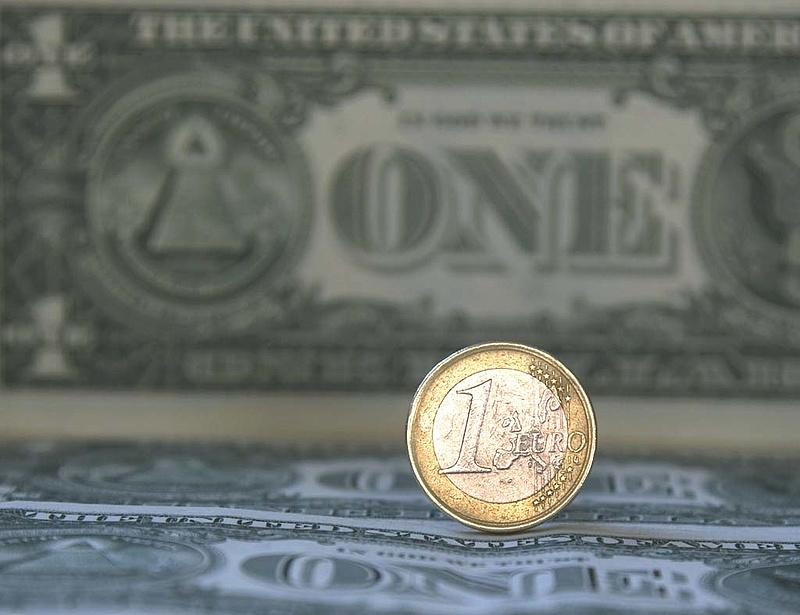 Mi lesz a forinttal? Jöhet az euró/dollár paritás