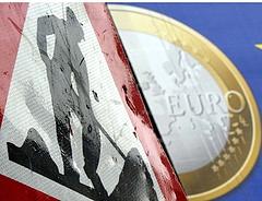 Itt az újabb figyelmeztetés -eurótagállamokat jelölt leminősítésre a Fitch