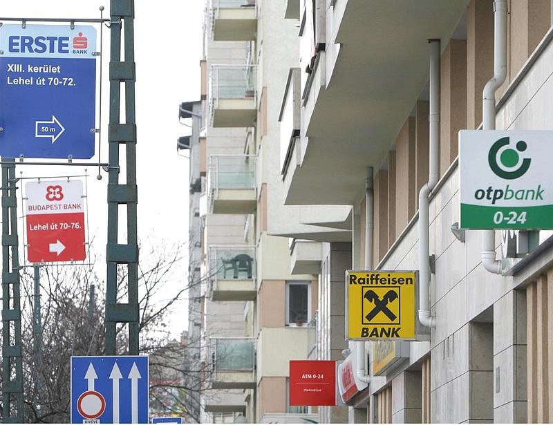 Ötvenhat bankfiókot zárt be tizennégy magyar bank