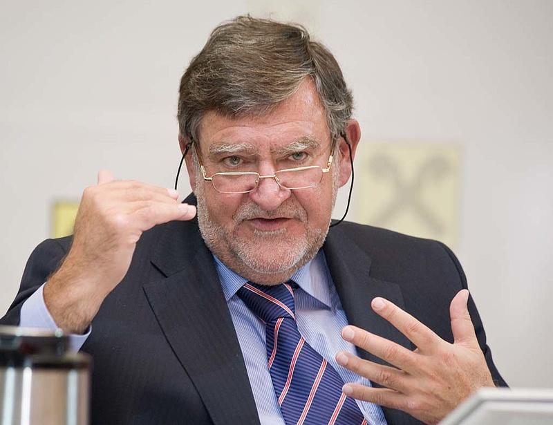 Felajánlotta lemondását a Raiffeisen vezérigazgatója