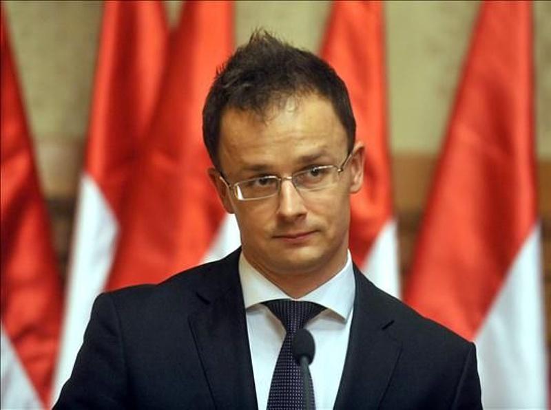 Szijjártó egycsapásra nyolc bizottság elnöke lett