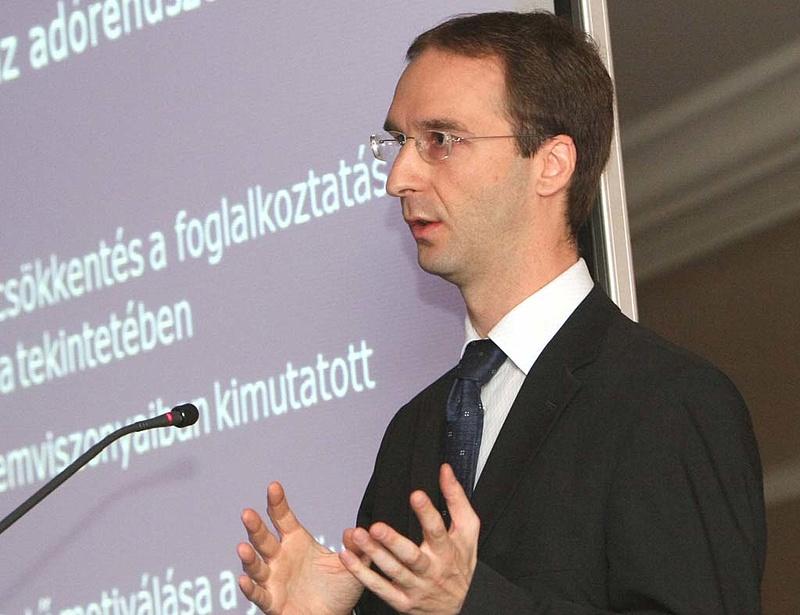 Oszkó: senkinek sem sürgős az IMF tárgyalás