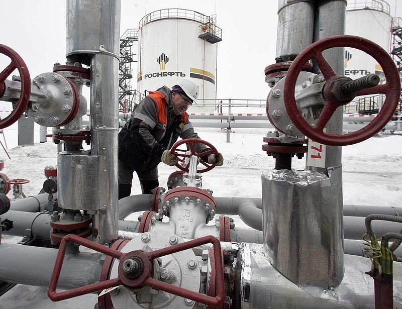 Dollármilliárdos ügyletek készülnek Oroszországban