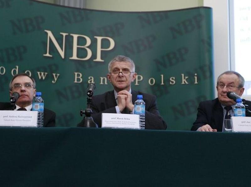 A lengyel miniszterelnök-helyettes támadja a jegybank kamatemelését