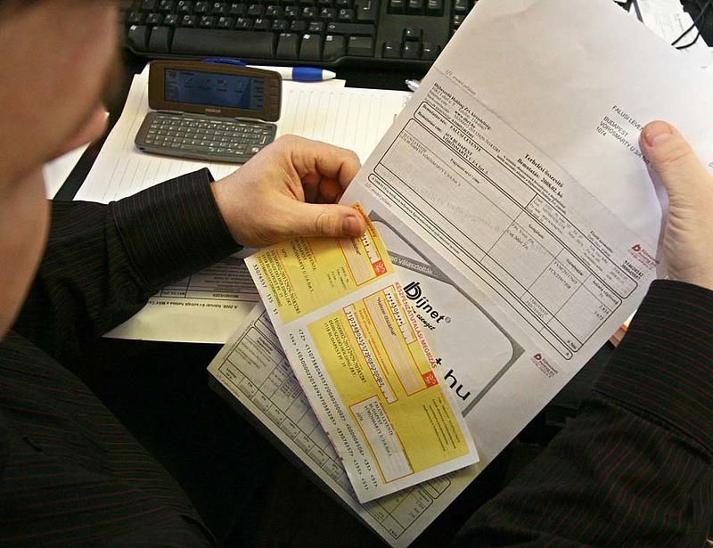 Így evez át a sárgacsekkmentes világba a Magyar Posta