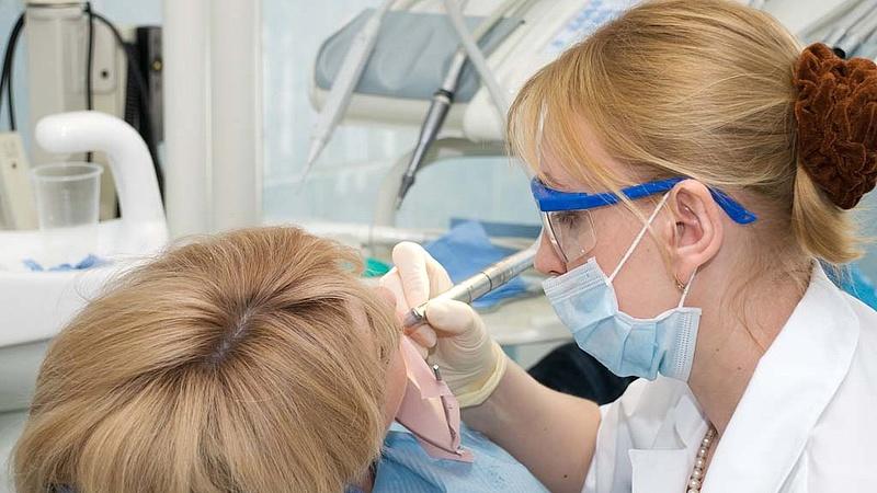 Győztek a fogorvosok - érkezik a pluszpénz