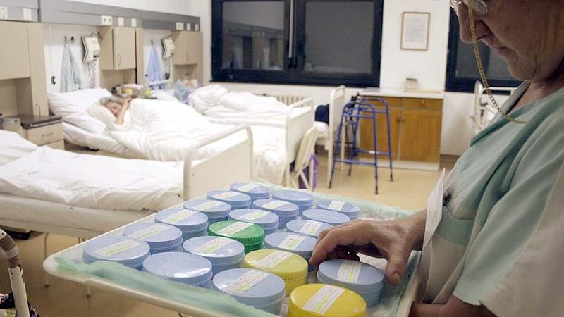 Szakszervezet: az egészségügyi szakdolgozók távoznak, ha nem kapnak kompenzációt
