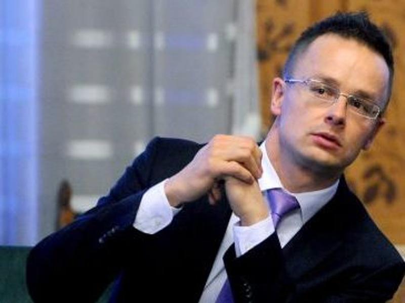 Szorosabbá fűzik a magyar-szaúdi együttműködést