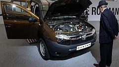 Mindent visz a Dacia, de az eMag is hasít