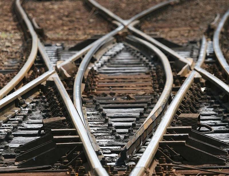 Tanácskozott a kormány a 2400 év alatt megtérülő vasútépítésről