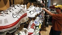 Vegyes számokat jelentett a Nike
