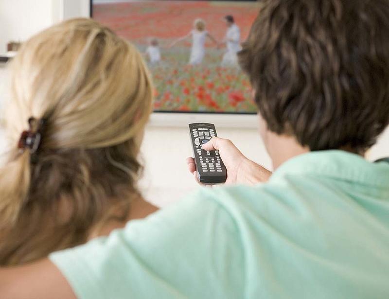 Szokatlanul sok tévécsatorna tűnik el októbertől