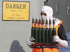 Lavrov az atomalku miatt aggódik