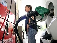Mi várhatja az autósokat a benzinkutakon jövőre? - ezt mondja az MNB