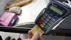 Korlátozhatják-e a boltok a bankkártyás fizetést?