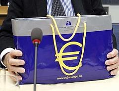 Nem dőlhetnek hátra a bankok, csak aprópénzt oszthatnak ki