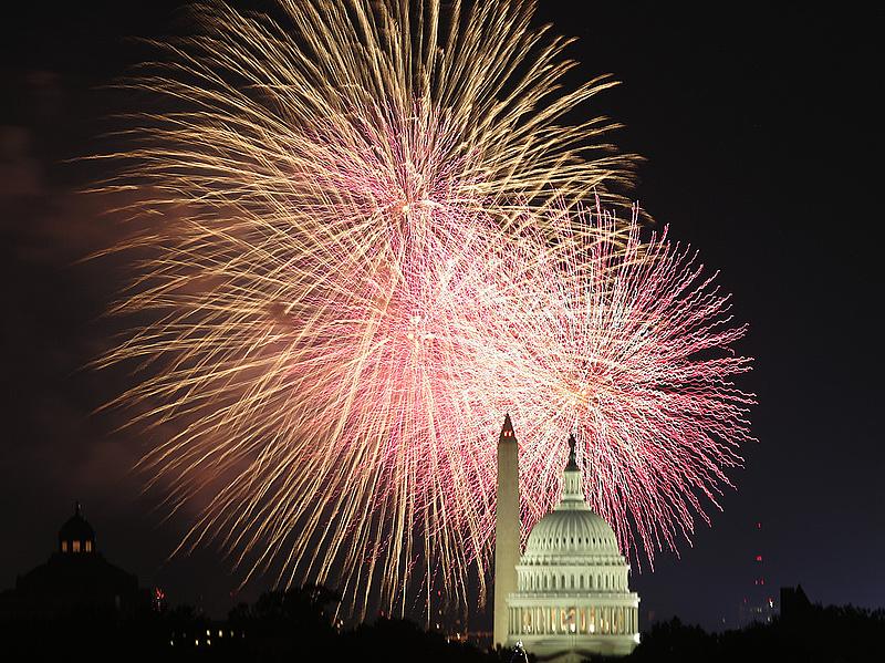 Nagy tűzijáték New Yorkban