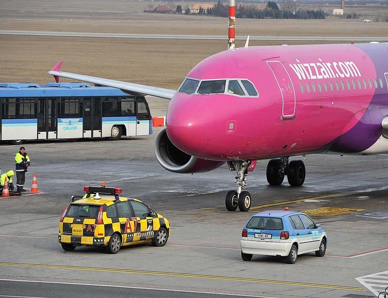 Budapesten gyakorolják a repülést a Wizz Air pilótái