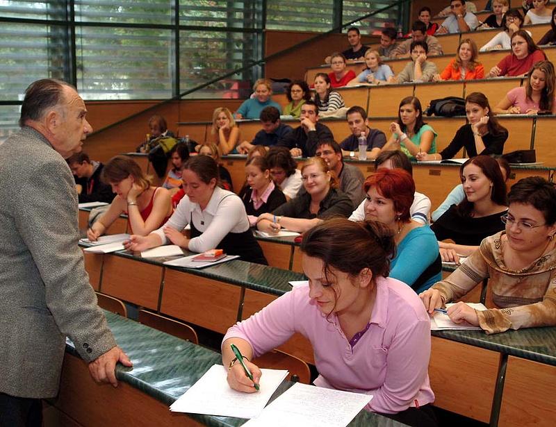 Megdicsérték a diákhitelt - a második konstrukció már kockázatosabb lehet