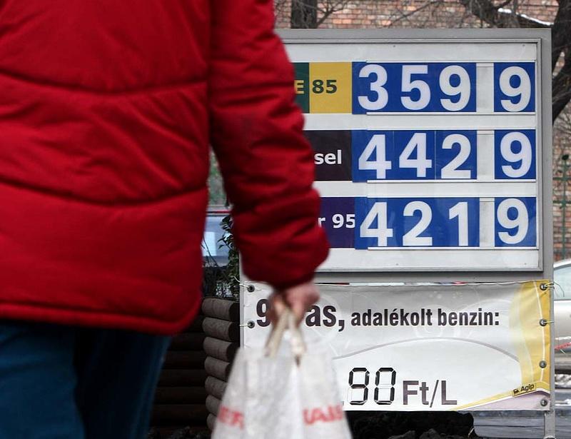 Fordulat benzinár-fronton - inflációs csúcs várható a nyáron