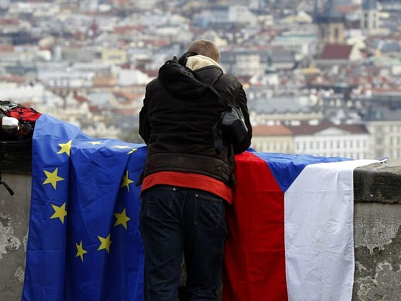 Bizonytalan, mikor nyitják ki a cseh EU-pénzcsapot