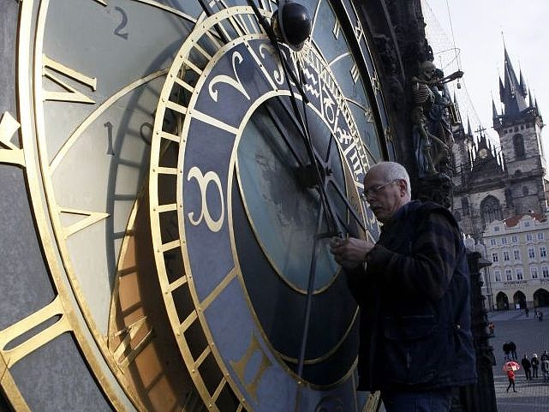 Jön az óraátallítás - mennyit spórolunk?