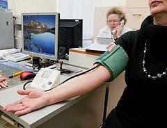 Egészségügyi szűrővizsgálatra kötelezhetők a menedékkérők