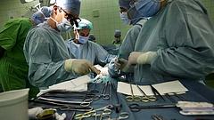 Az egynapos műtétek elhalasztásáról döntött Kásler