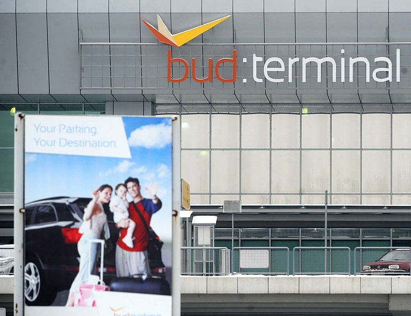 Országimázst javítana a miniszter a ferihegyi reptér visszavételével