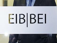 Az egészségügy támogatására 162,5 millió eurónyi hitelt vesz fel a kormány