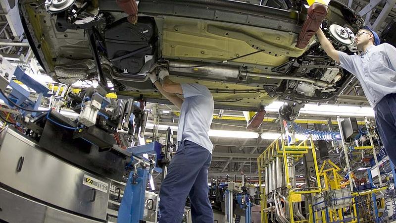 Durván zsugorodott a szentgotthárdi Opel