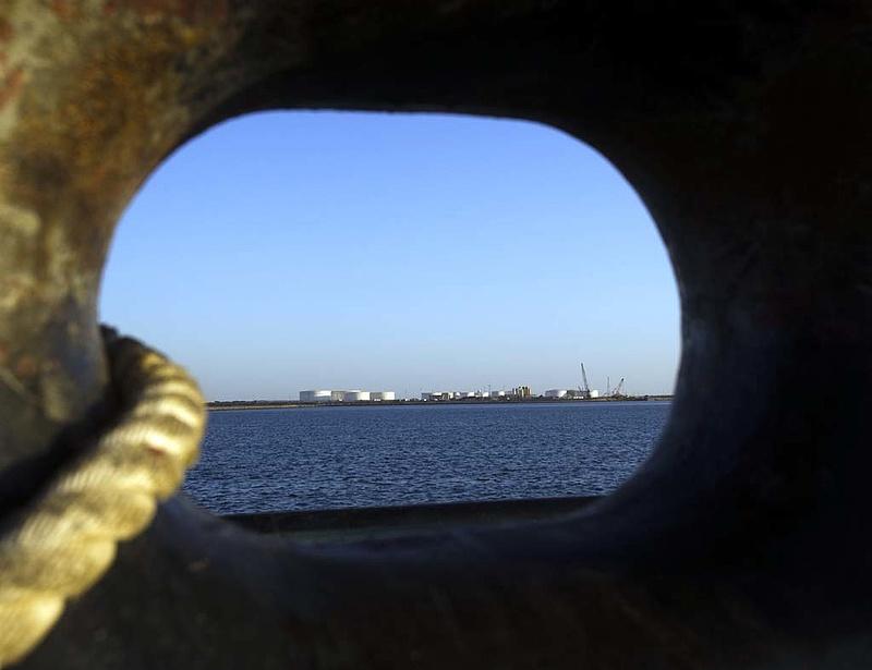 Moszkván keresztül vesz iráni olajat Kína - Így játsszák ki a szankciókat