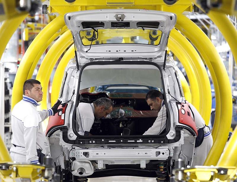 Öt napra leállt a termelés a szerbiai Fiat gyárban