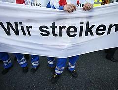 Dagad a német sztrájkhullám - már 170 üzem érintett