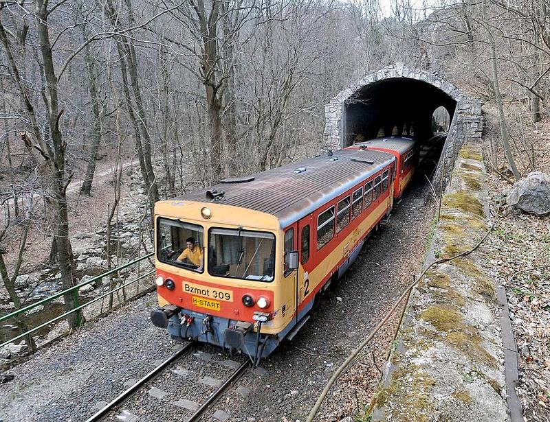 """Olcsóbb lesz a vonatozás: \""""a nyugdíjasok is negyedével olcsóbban utazhatnak\"""""""