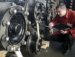 Örülhetnek az autógyártók - egyedül itt csökkentek az ipari termelői árak