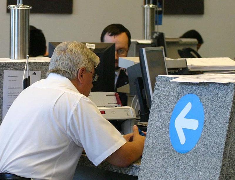 Óvatosságra int a K&H-vezér az új adóval