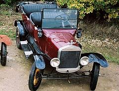 Egyre öregebb autókkal járnak a magyarok