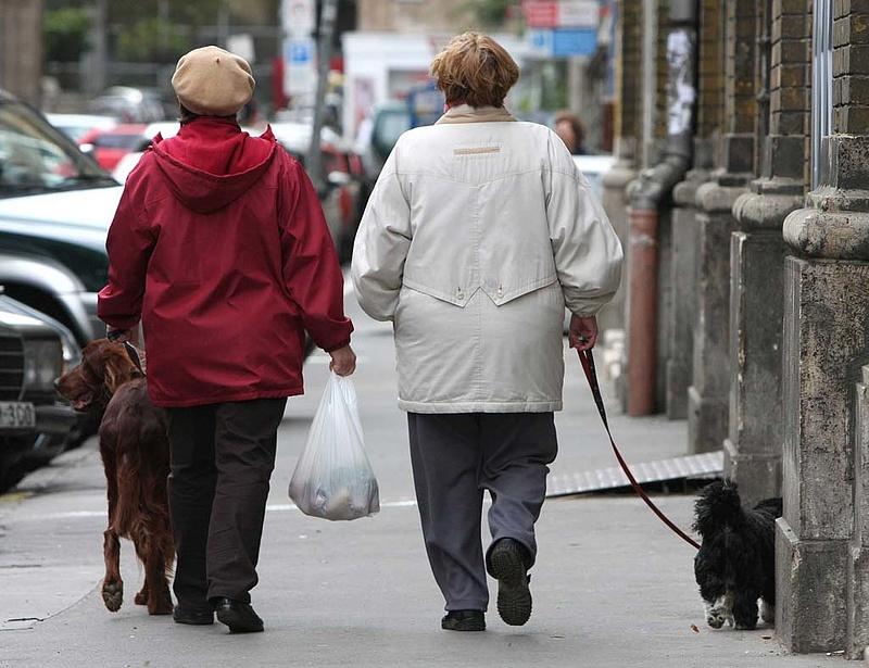 Nyugdíj: nagy a készülődés, a kormány extrapénzt mozgósít