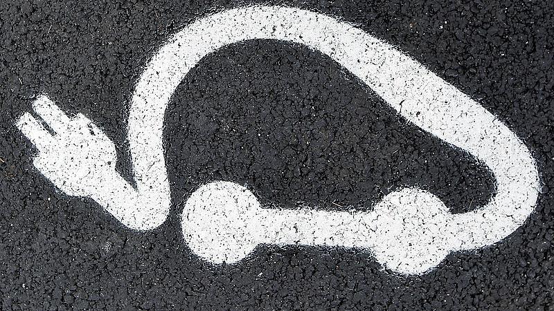 Még nem győztek az elektromos autók