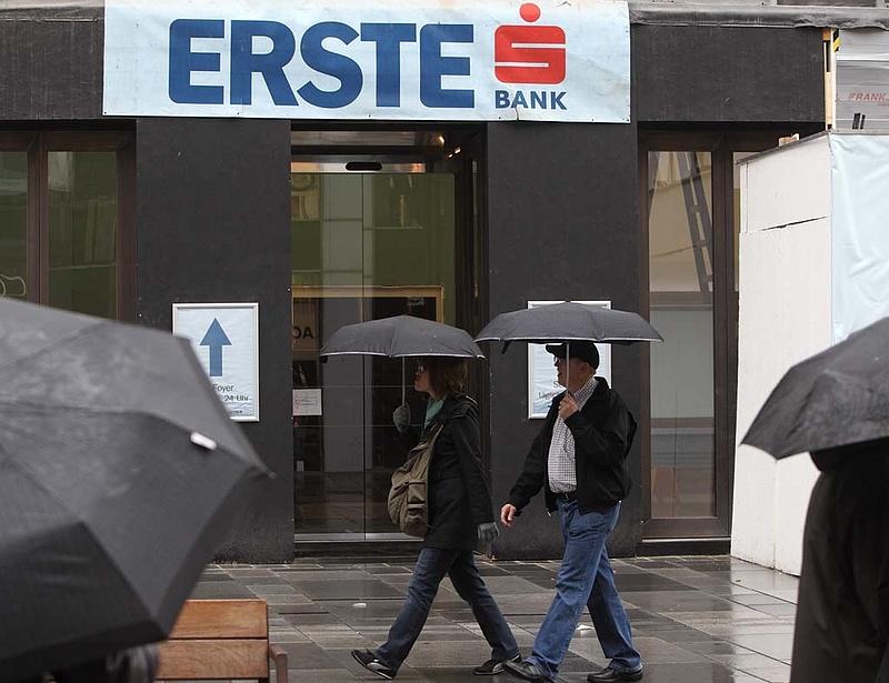 Magába olvasztja egyes leánycégeit az Erste Bank