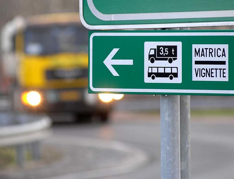 A kánikula a forgalmat is növeli az utakon
