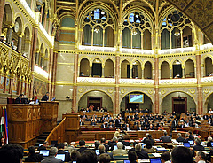 Fellázadtak Orbán miniszterei - további megszorítások jönnek?