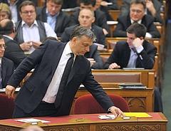 Költségvetés 2013: kilenc jogszabályt módosítanának