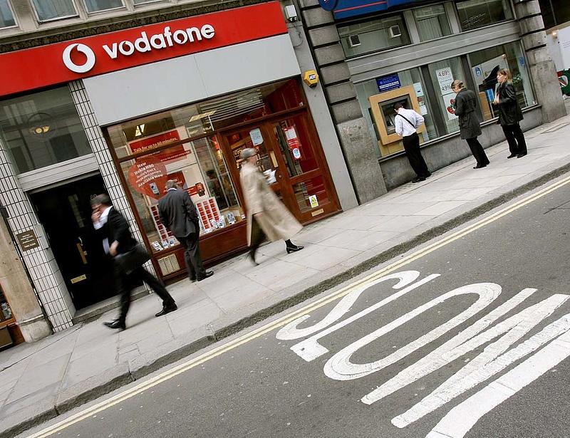 A Vodafone is áthárítja a telefonadót