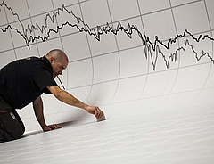 Fordulat a munkaerőpiacon - csökkenek a bérek