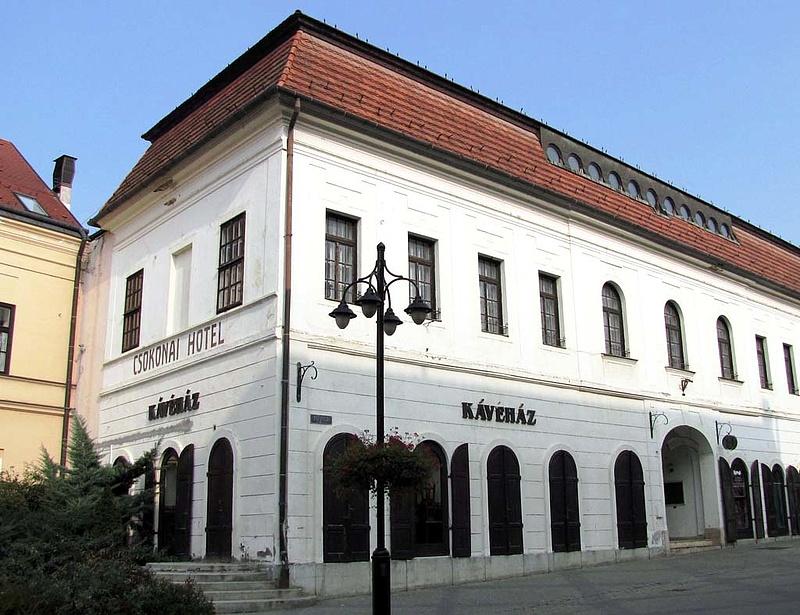 Fillérekért vehetünk patinás éttermeket Magyarországon