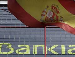 Újabb tömeges leminősítés a spanyol bankoknak